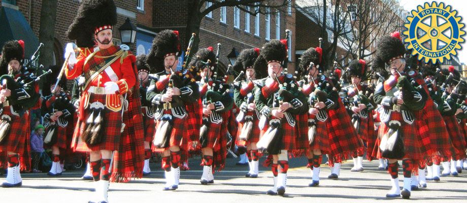 Bagpipers-in-Red-Kilts-rotary